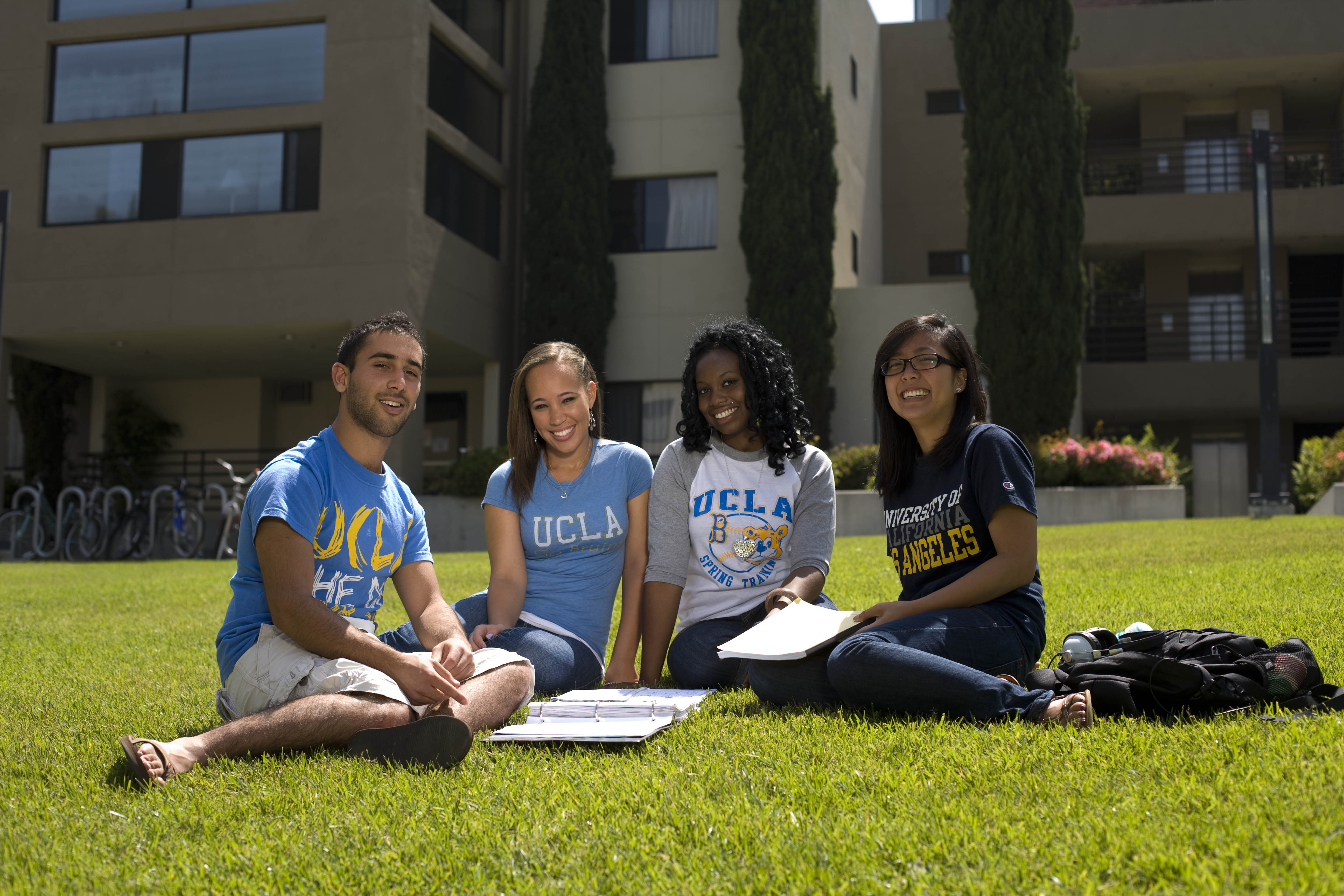 uclastudents_onthelawn